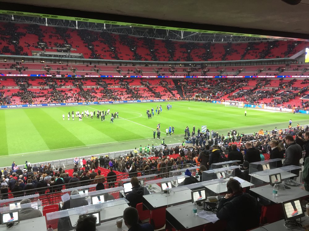 England's players wave to the Wembley crowd following a 1-1 draw with Italy