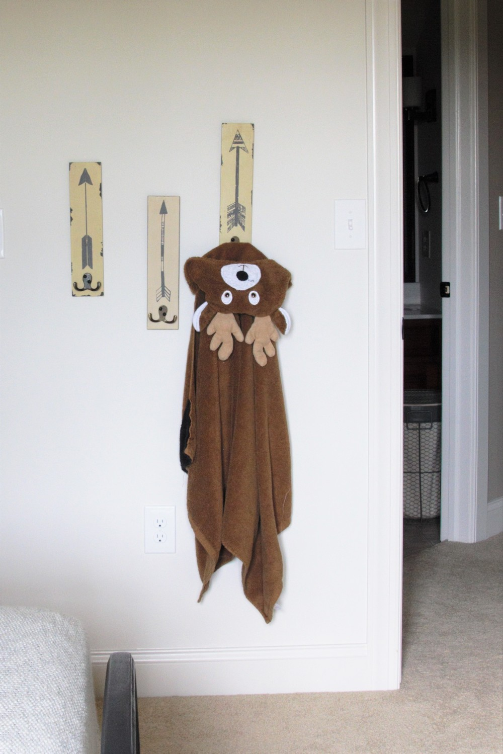 Boy room. Arrow home decor. Boy room decor. Boy room ideas.