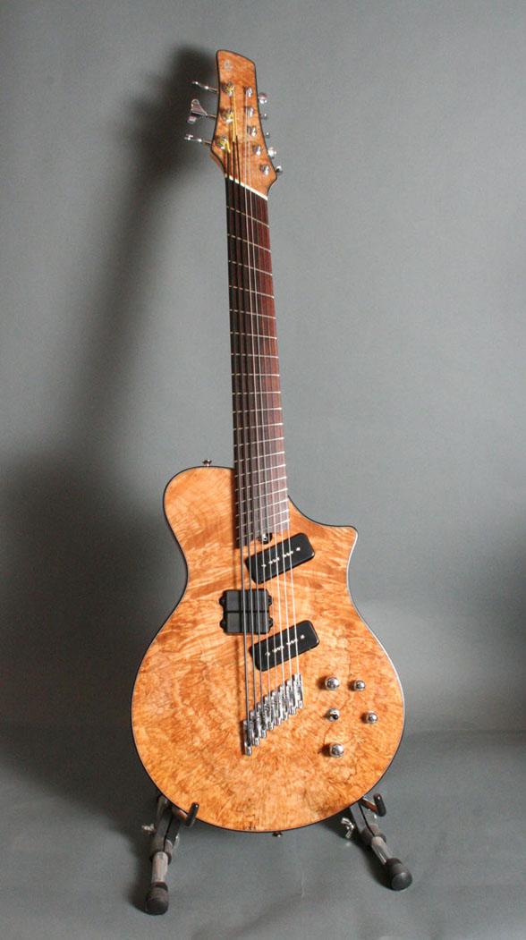 8 string guitar017.jpg