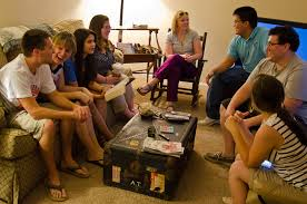 LIFE GROUPS A life group is a group of five to fifteen people who meet together to share life and build relationships. We believe growth happens best in community with other people. Life Groups take place in a variety of locations, serving a variety of different people, ranging from youth and college to young marrieds and families.
