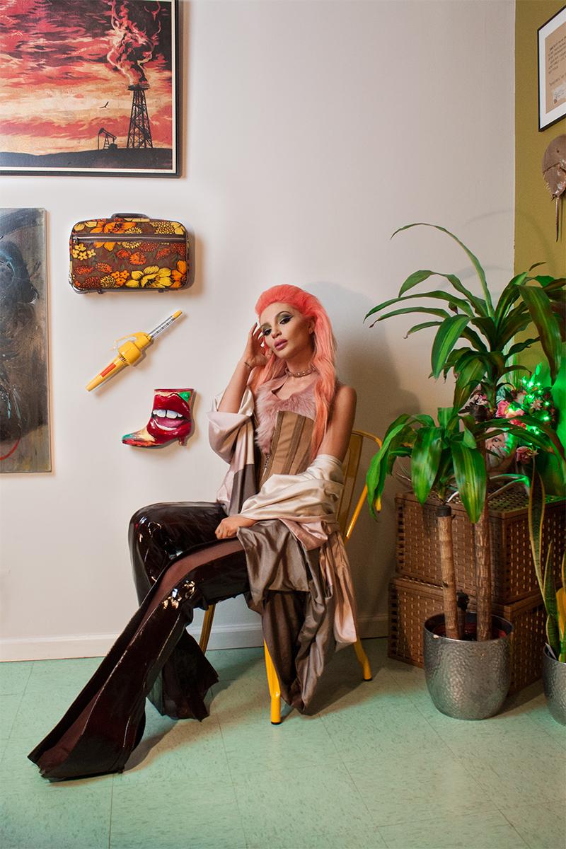 http://ladygunn.com/music/caroline-burt #LADYGUNN