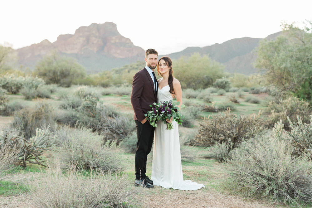 Stunning desert elopement by Phoenix wedding photographers, Betsy & John.