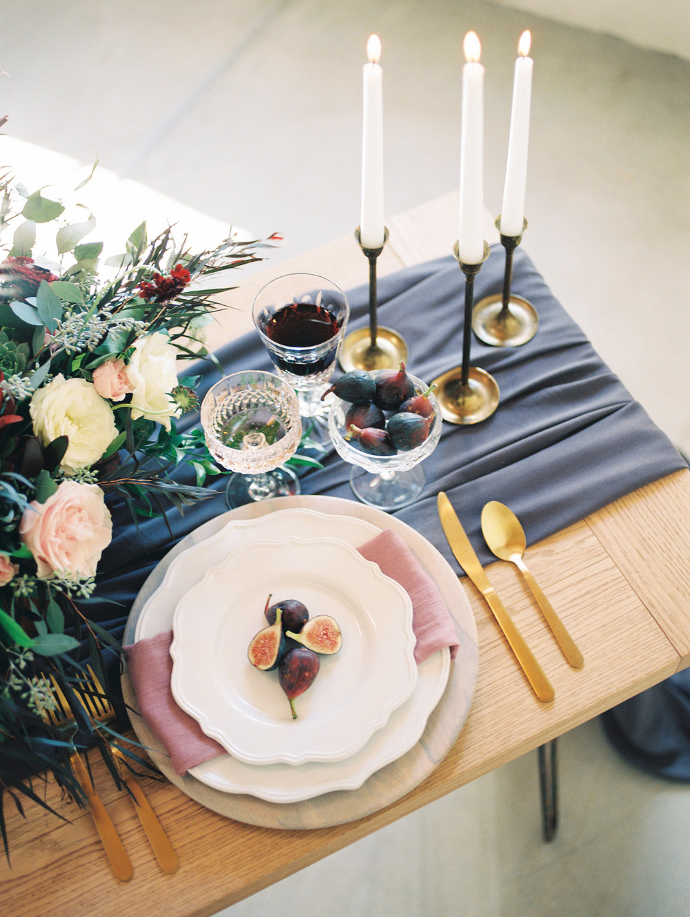 Romantic plum, lavender and burgundy wedding inspiration