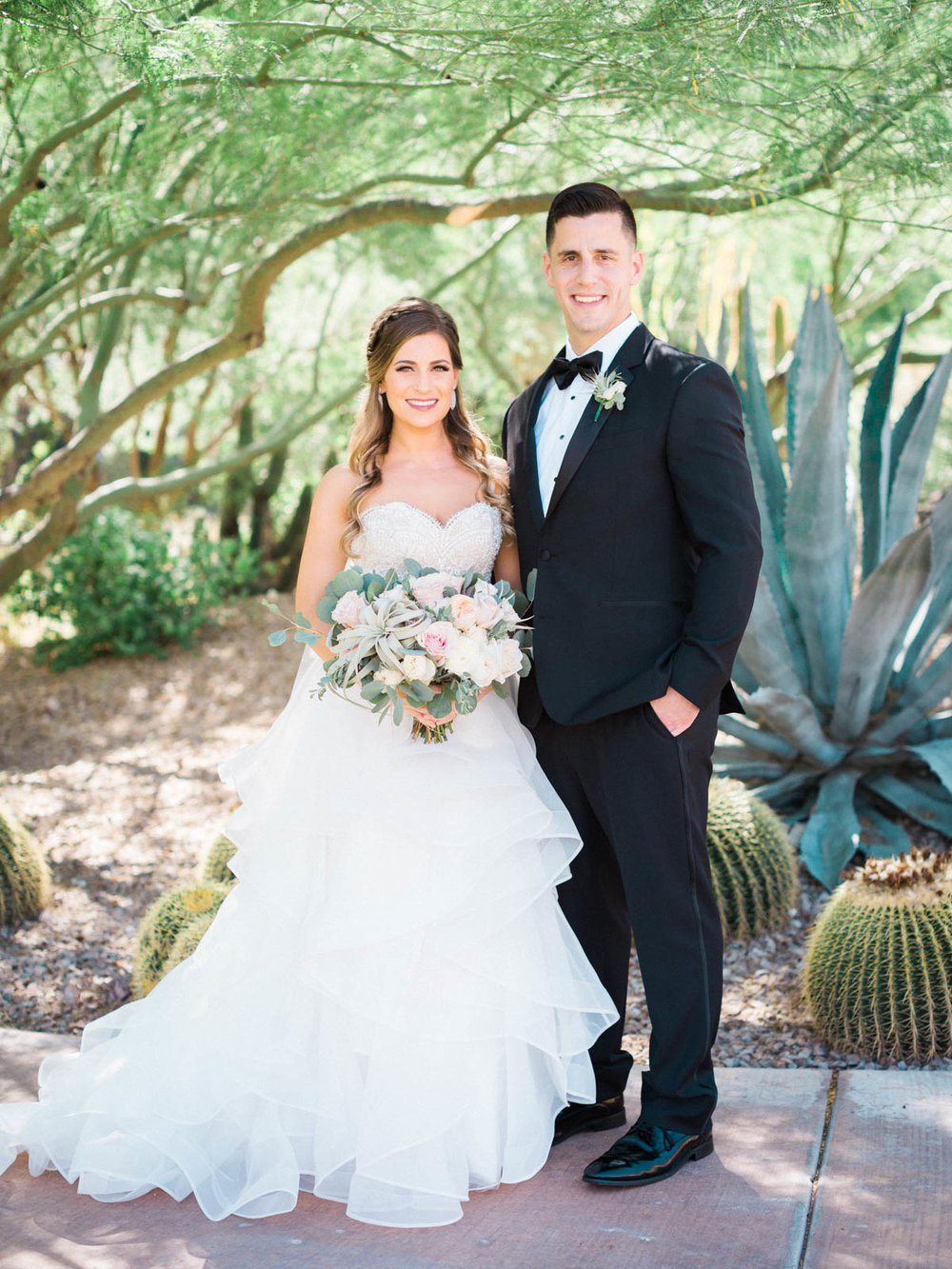 Mike & Jamie's beautiful wedding day captured by Tucson Wedding Photographers Betsy & John