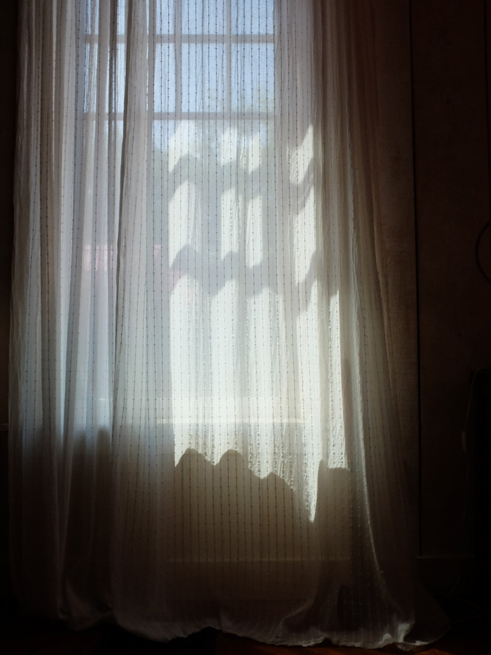 22 - curtain.jpg