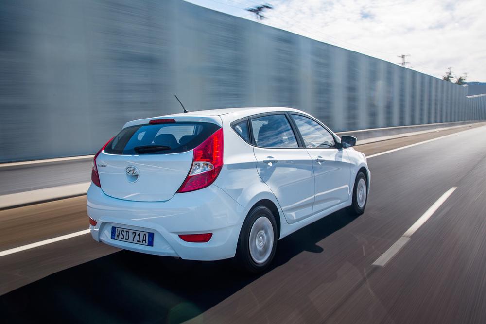 Hyundai-Accent-10.jpg