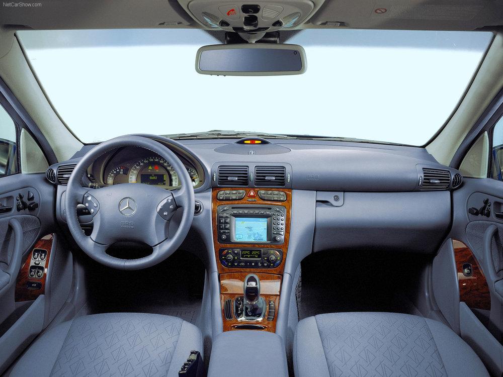 Mercedes-Benz-C-Class-2001-1600-08.jpg