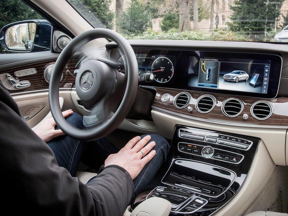 Mercedes-Benz-E-Class-2017-1600-52.jpg