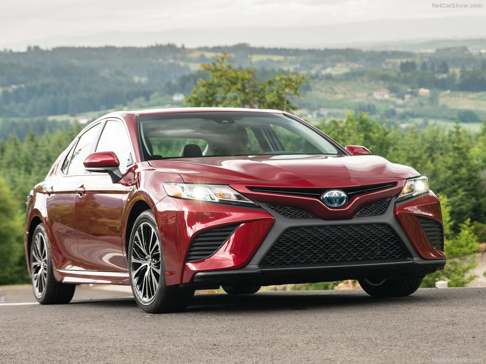 Toyota-Camry-2018-1024-08.jpg