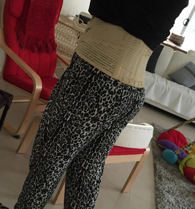 Look at my fabbo waist trainer ... errrrr