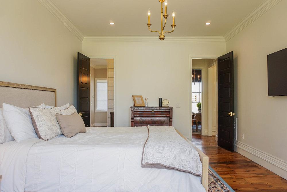 32 Master Bedroom .jpg