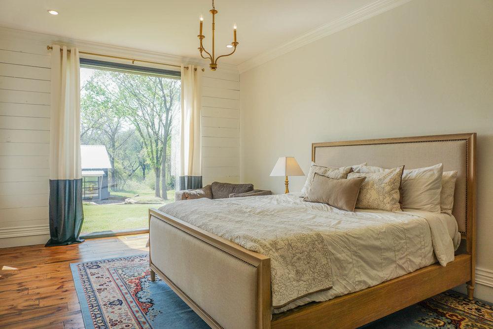 33 Master Bedroom .jpg