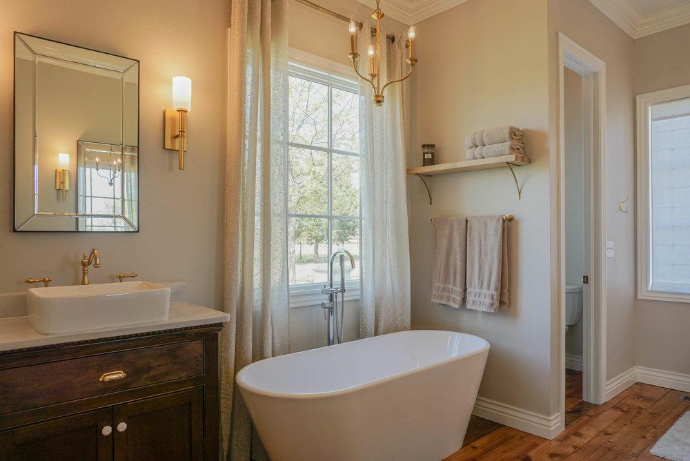 36 Master Bathroom .jpg