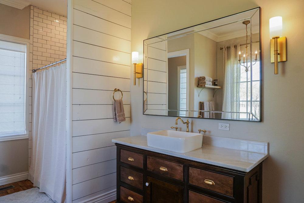 37 Master Bathroom .jpg