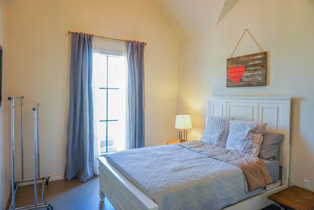 70 Guest House.jpg