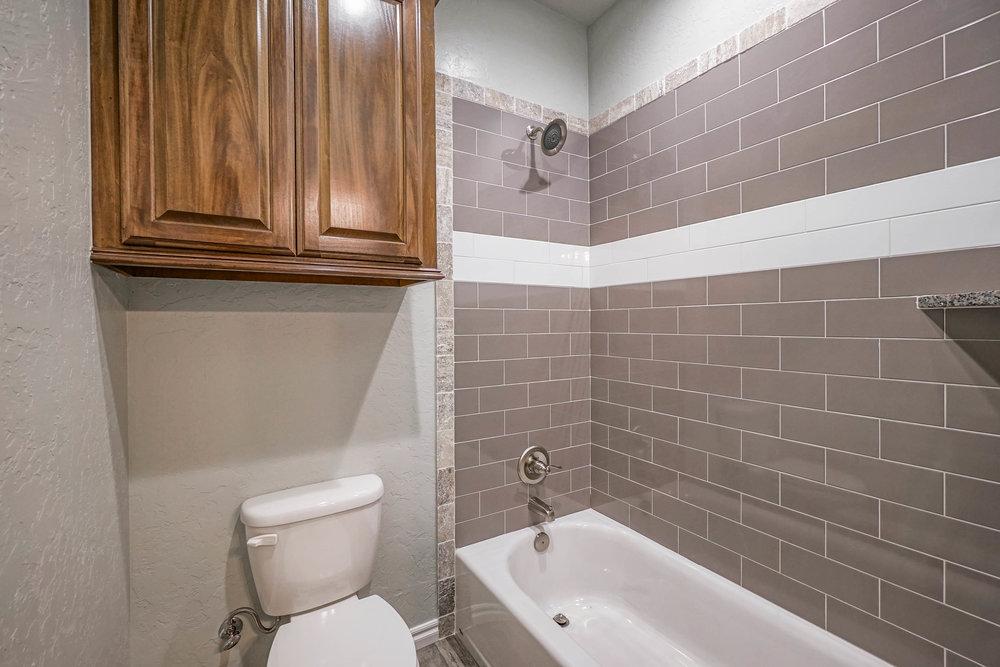 37 Hall Bath.jpg