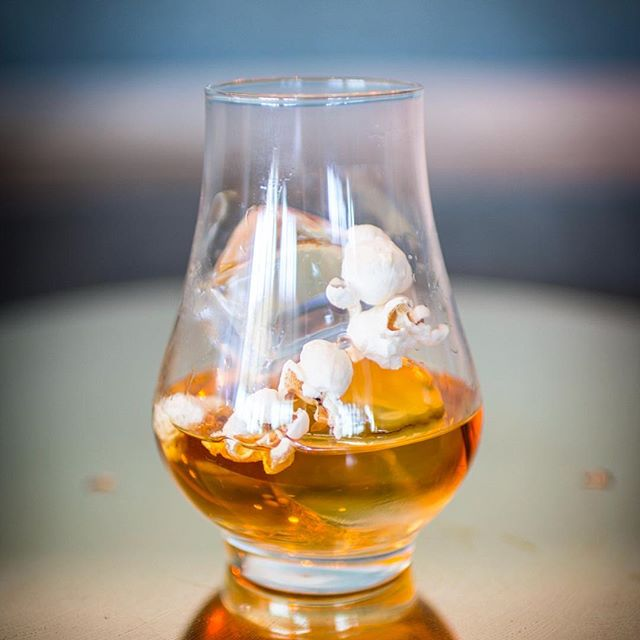 Monday movie night🎞🍿🥃 Popcorn✅ Whiskey ✅ put them together and it's best of both worlds!  Buttered Popcorn Old Fashioned  2 oz Bourbon .25 oz Butter🍿Infused simple 2 Dashes Barrel Aged Vanilla Bitters #popcorn #oldfashioned