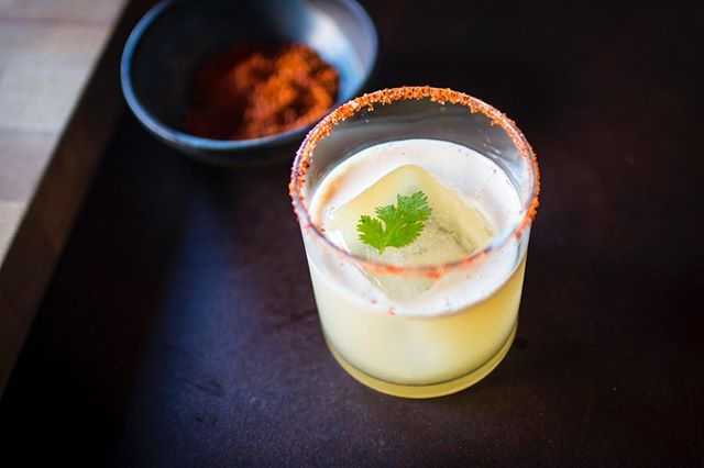 Now this is some summer medicine!! ☀️Un Otro Penicillin☀️ 2oz Mezcal 1oz Lime Juice .75 oz Ginger Agave cilantro to garnish  #mezcal #cocktailacademy #summersips