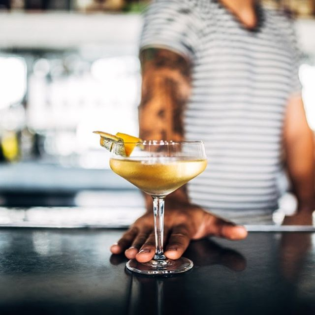 Stay Golden Friends😎 -Golden Manhattan- 2 oz Bourbon 1 oz Blanc Vermouth  2 Dashes Orange Bitters  Orange Peel  #cocktailacademy #manhattan #craftcocktail 📸 @antonio
