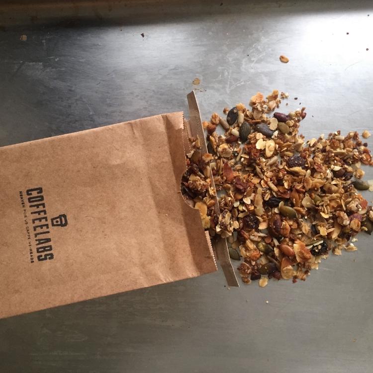 coffeelabs-antwerpen-antwerp-breakfast-granola-homemade-ontbijt