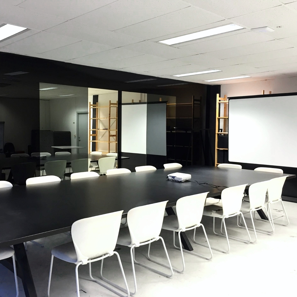 board-meeting-room-huur-rent-space-antwerp-antwerpen-coffeelabs