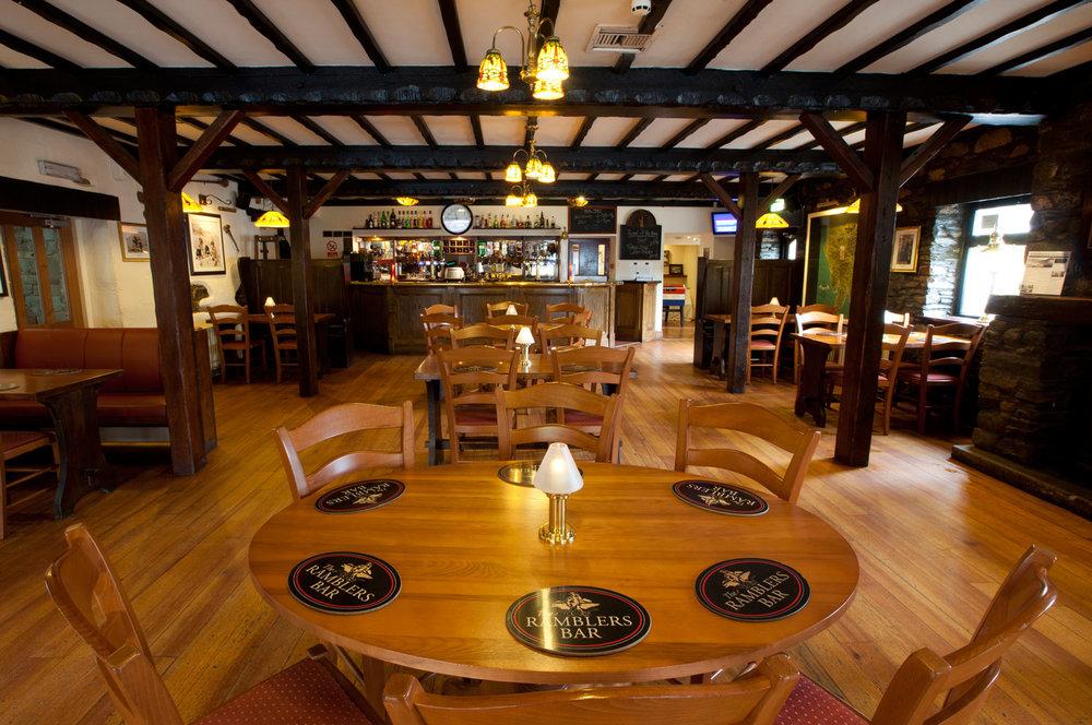 Ramblers-Bar-Inn-on-the-Lake.jpg