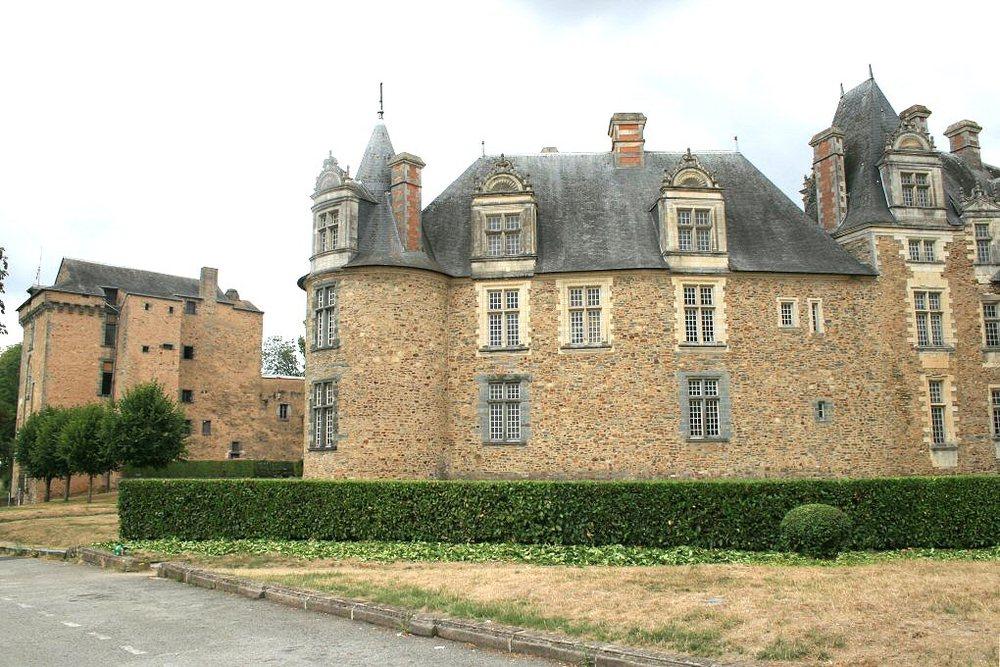 http://www.chateau-fort-manoir-chateau.eu/chateaux-loire-atlantique-chateau-a-chateaubriant-chateau-de-chateaubriant.html