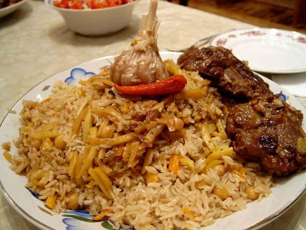 http://www.yemek-tarifleri.tv/turkmen-pilavi/