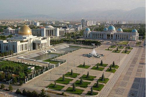 http://turkmen.traveler.uz/images/albums/Turkmenistan/Ashgabat/Ashgabat%20panorama3.jpg