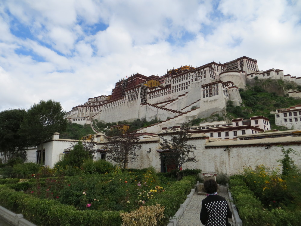Beautiful Potala Palace-Official residence of Dalai Lamas