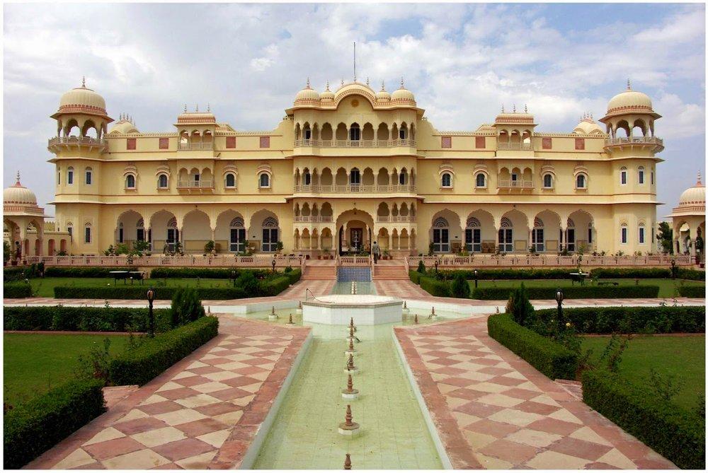 http://www.fpinfo.in/2014/10/Nahargarh-Fort.html