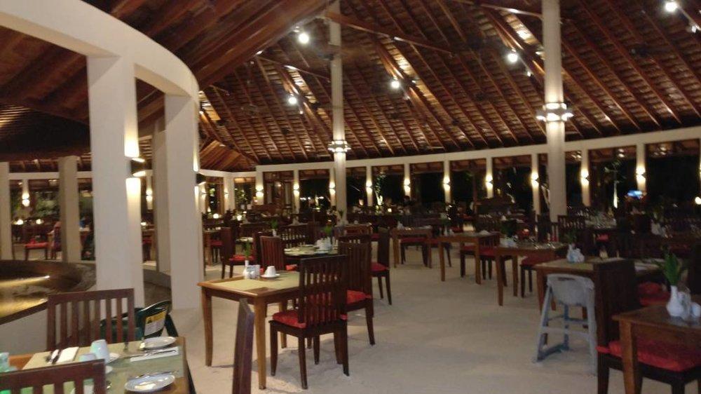 Farivalhu Restaurant at Meeru