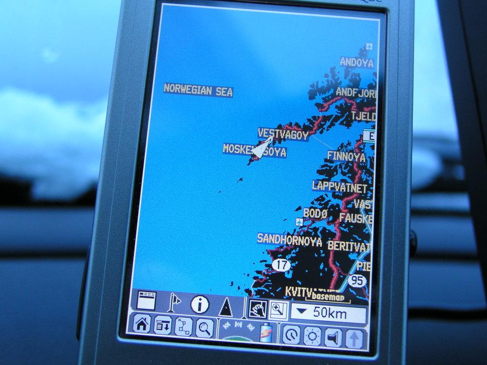 car-navigation-system-by-gps-1-1519950.jpg