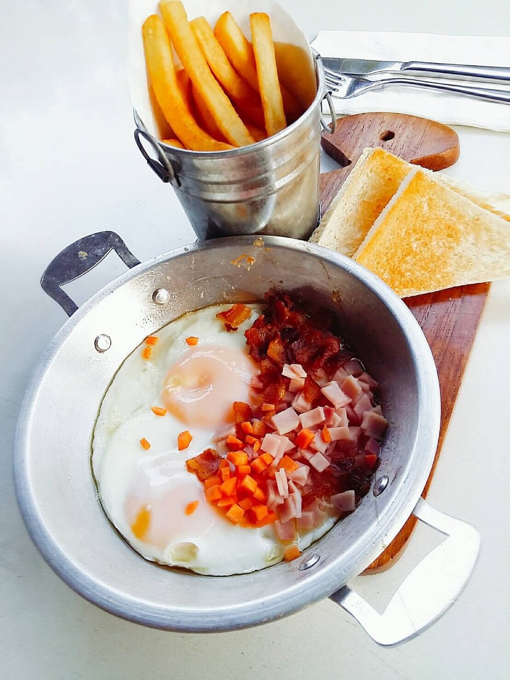 thai style ham and eggs.JPG