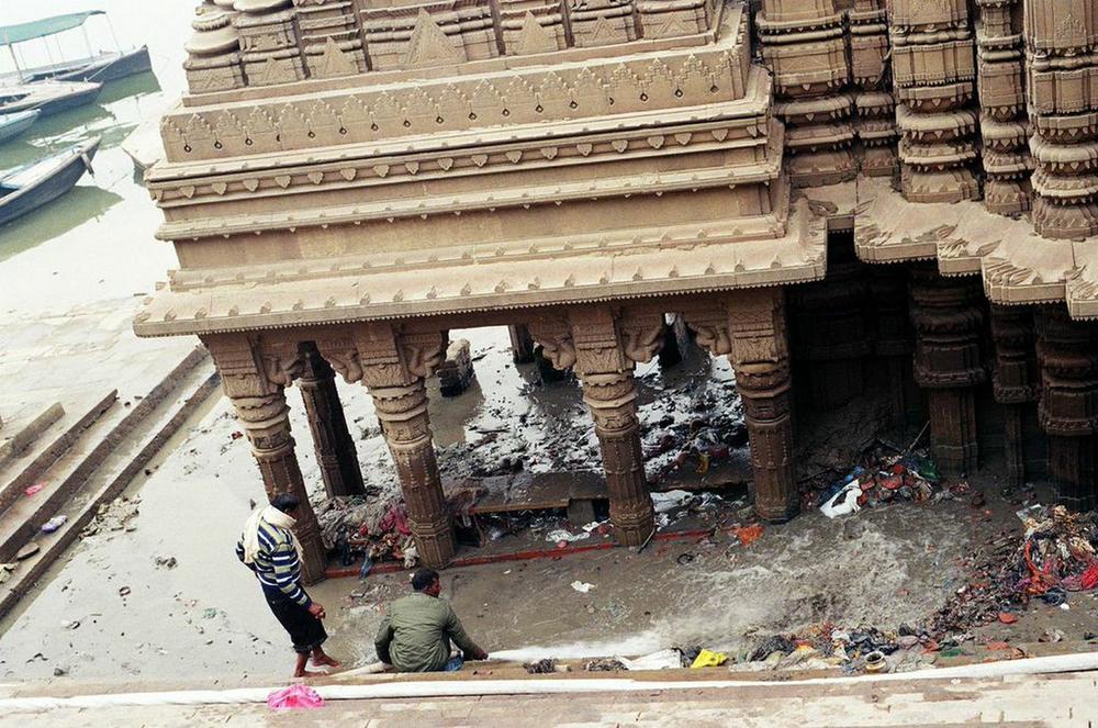 Sinking Temple - Varanasi, 2015