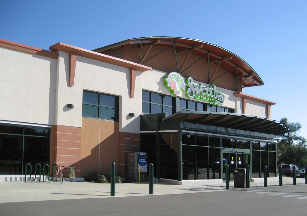 hdArchitects-Commercial-Projects-Portfolio-Meres-Xing-Sweetbay-Supermarket-min.jpg