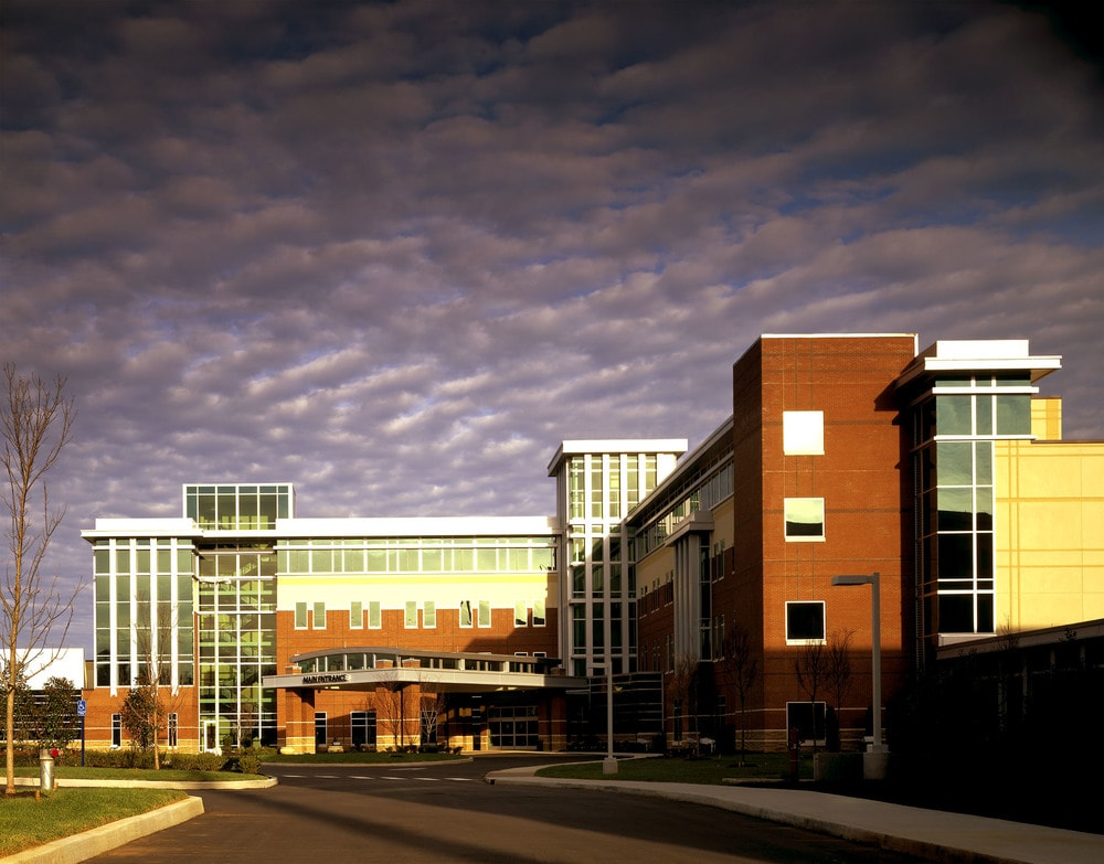 08-TriStar-StoneCrest-Medical-Center-Campus-Perspective-min.jpg
