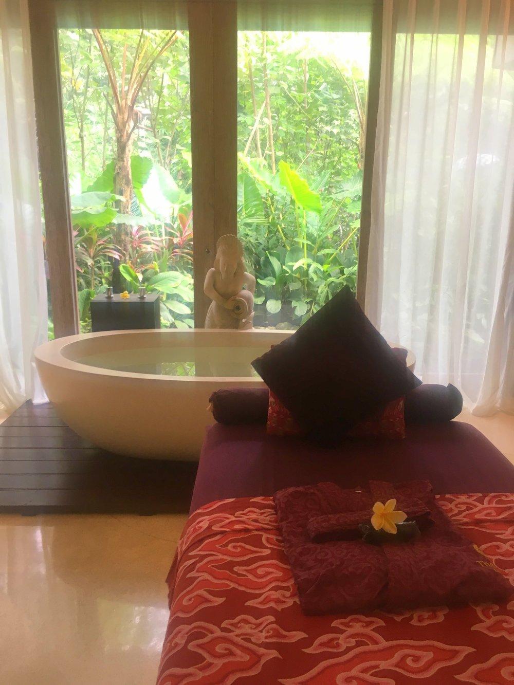 Udaya Resort Bali bath