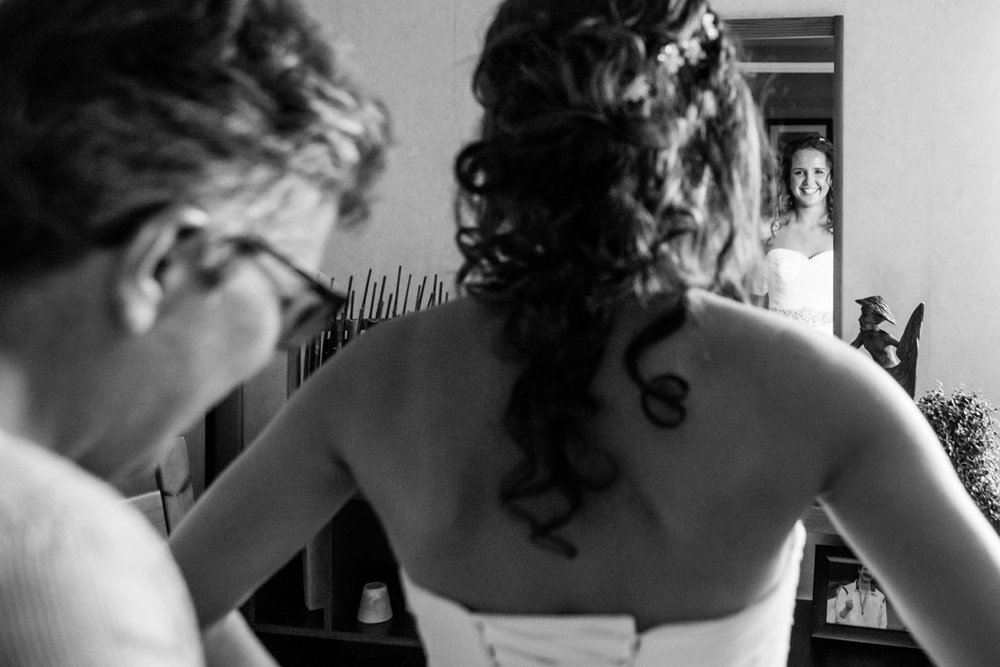aankleedmoment bruid zwijndrecht