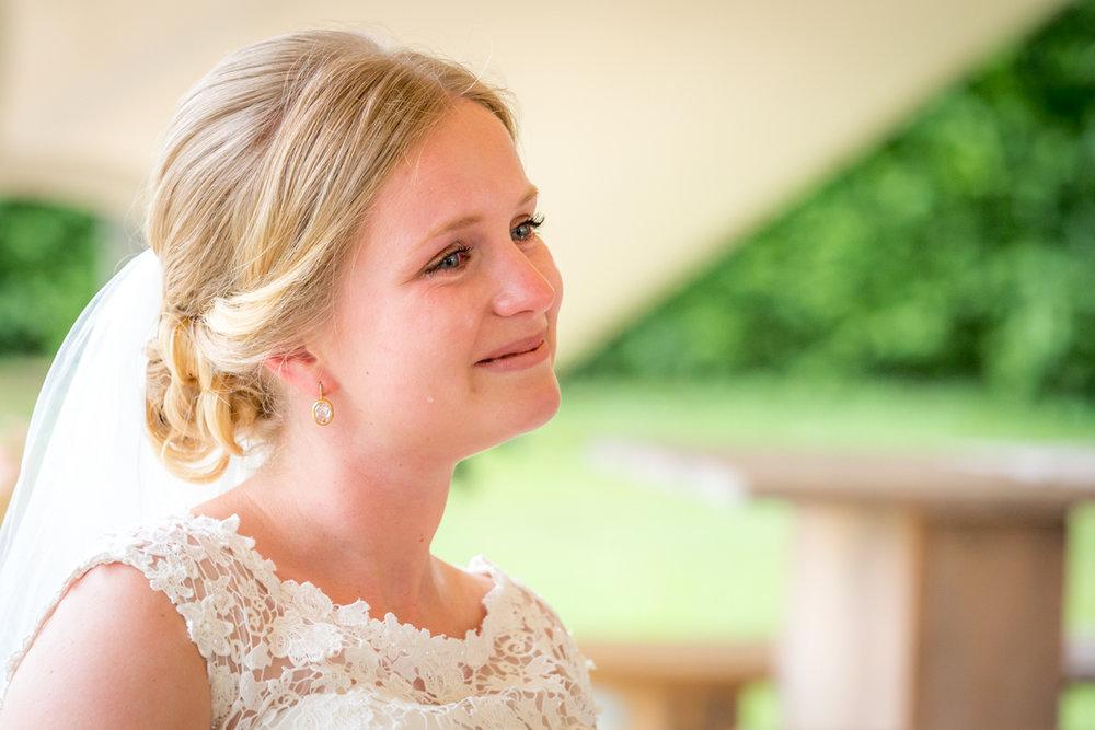 bruid in tranen