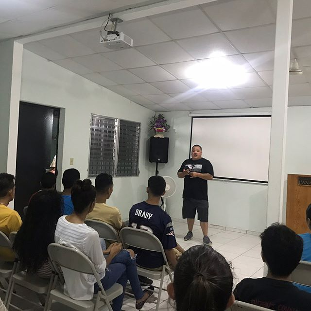 PANAMA MISSIONS TRIP // Youth night at the church. Games. Testimonies. Gods Word. Food. #panamamissions2018 #dayone #calvarychapelpanama