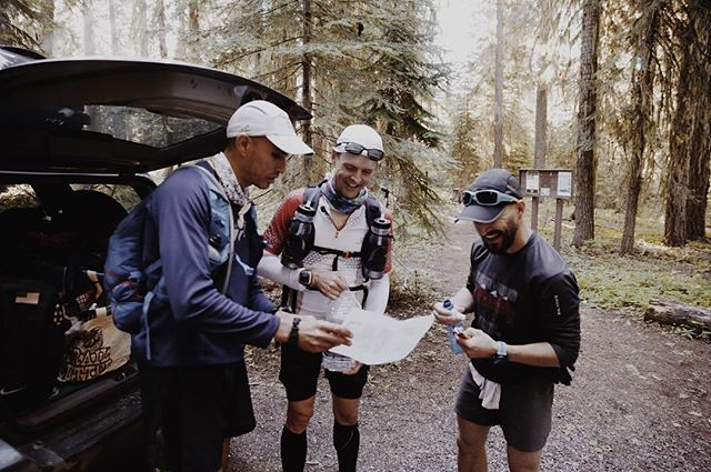 Hitting a quick aid stop 10 miles into day 2 to review the plan with @yassinediboun and @travisliles for the #fktattempt #orpctrun  #somanymiles