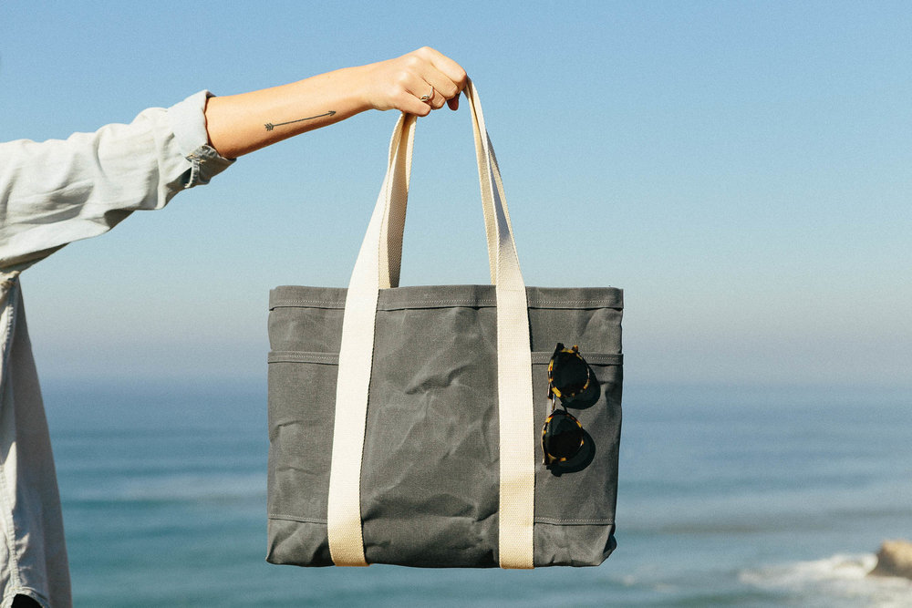 CANVAS - Find the perfect canvas tote for all your summer adventures