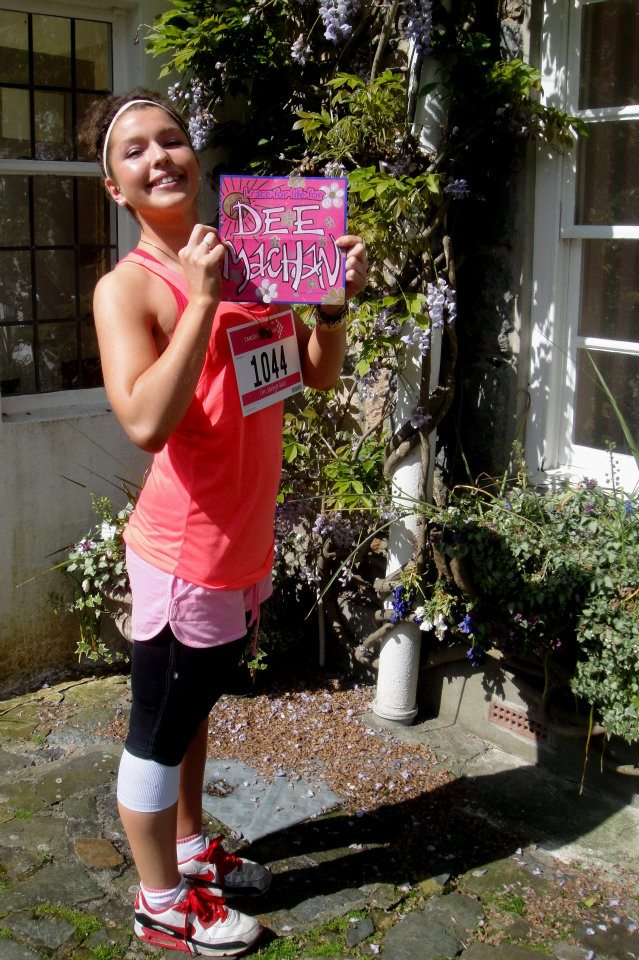 Sarah took part in the Cancer Research 'Race for Life' for Dee Machan
