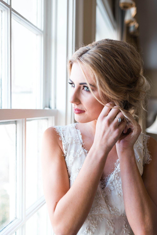 BRIDE GETTING READY| MATT & MEGAN | CAREY WEDDING | B&A WAREHOUSE | ST. FRANCIS XAVIER