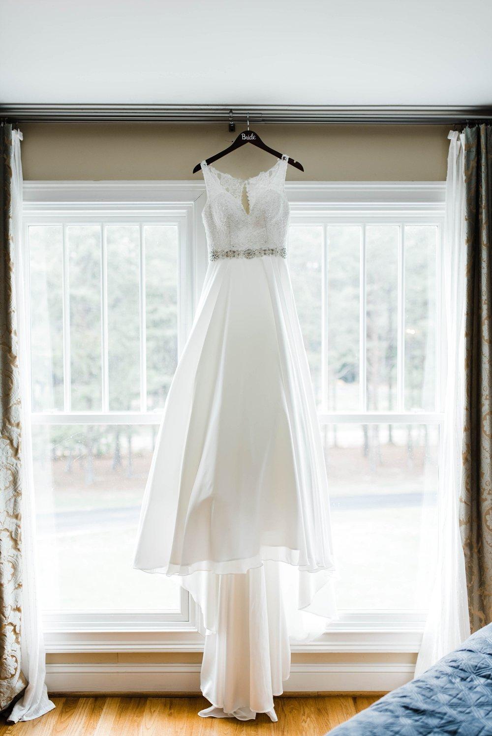 WEDDING DRESS | BRIDAL DETAILS | ELEGANT SPRING WEDDING AT THE SONNET HOUSE | TJ & SHELBY | JOHNSON WEDDING