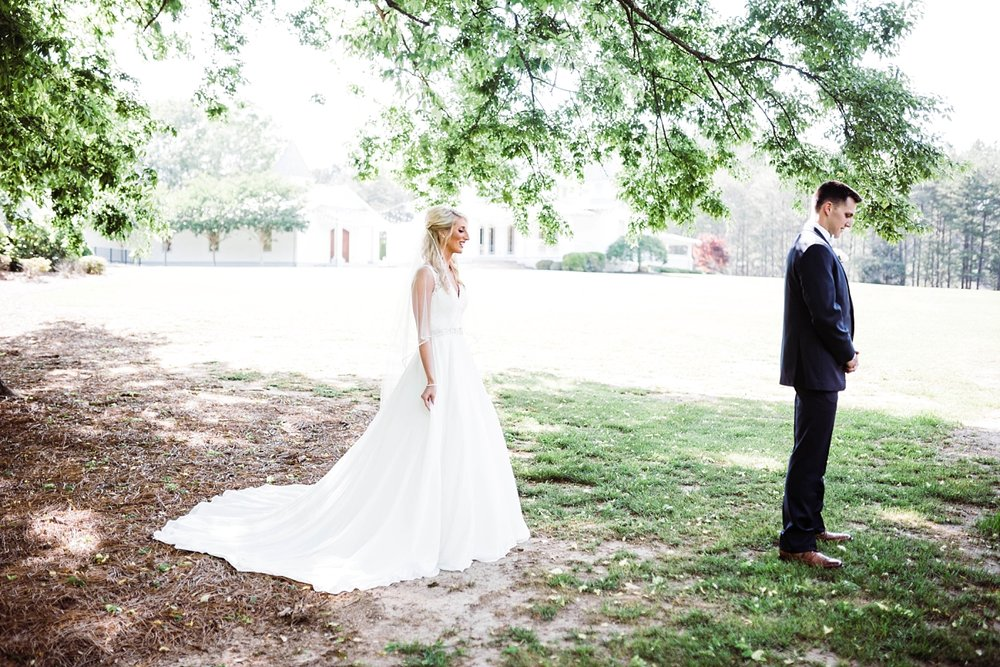 FIRST LOOK WITH BRIDE & GROOM | ELEGANT SPRING WEDDING AT THE SONNET HOUSE | TJ & SHELBY | JOHNSON WEDDING