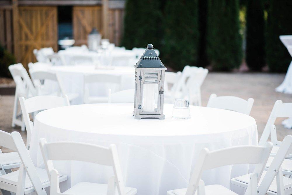 BRIDE & GROOM PORTRAITS | ELEGANT SPRING WEDDING AT THE SONNET HOUSE | TJ & SHELBY | JOHNSON WEDDINGELEGANT SPRING WEDDING & RECEPTION AT THE SONNET HOUSE | TJ & SHELBY | JOHNSON WEDDING