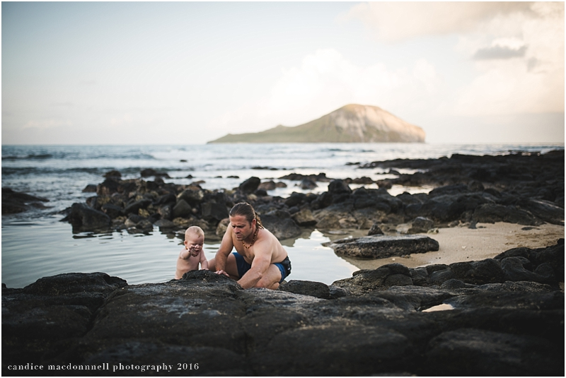 family-beach-photo-shoot-oahu-hawaii-candice-macdonnell_0021.jpg