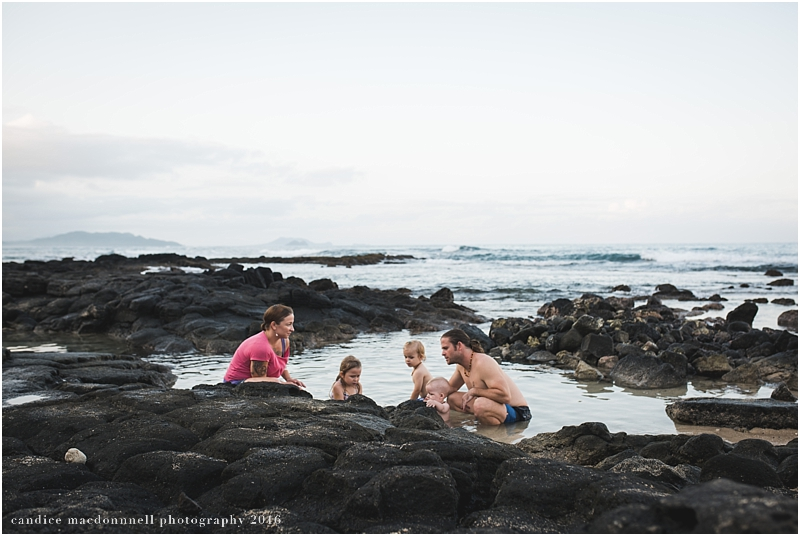family-beach-photo-shoot-oahu-hawaii-candice-macdonnell_0023.jpg